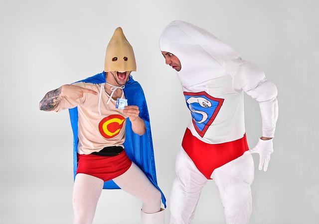 muži v kostýmech