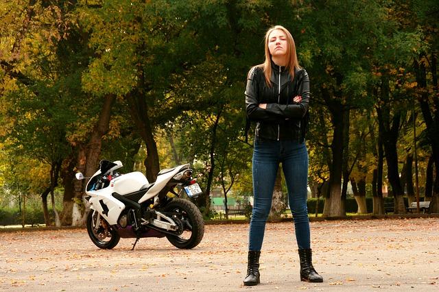 Vyklápacie prilby: Súčasne populárna voľba motorkárov