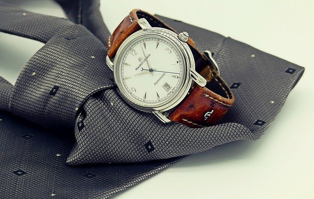 wrist-watch-g69ec42cb4_640